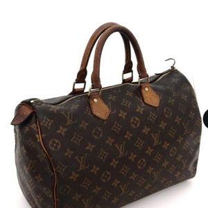 Louis Vuitton's speedy 35 bag